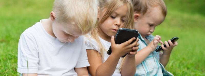 Smartphones, Tablets Now Most Popular Gaming Devices For Kids