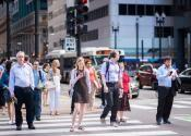 Chicago is Proposing A Fine Of Up To $500 For People Texting At Crosswalks